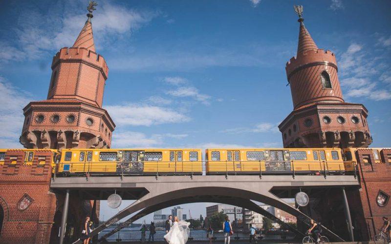 Entspannt von Friedrichshain bis an die Spree: Ein wunderbarer Hochzeitstag mit {Mirja & Jens}