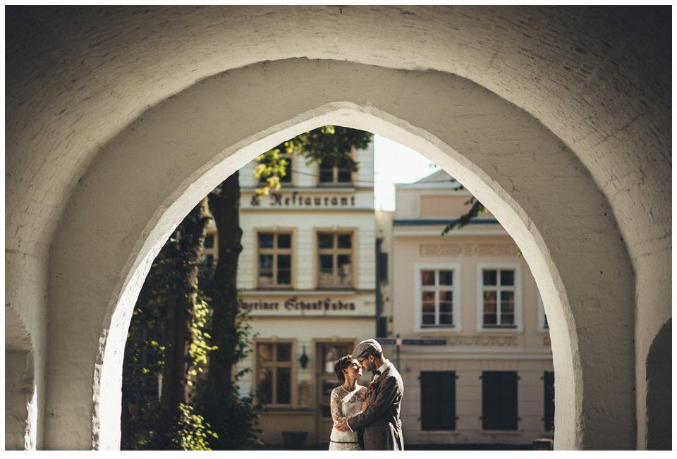Klein und fein in Schwerin: {Susi & Kai} genießen ihre sonnige Herbsthochzeit